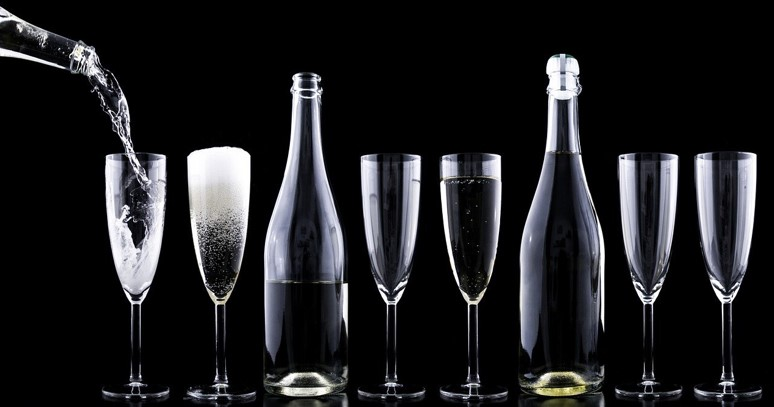 What Advantages Does A Glass Bottles Wholesale Provider Offer To Your Company?